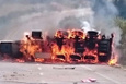 Alkol yüklü tanker kaza sonrası alev alev yandı!