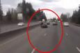 Motosikletle çarptığı arabanın üstünde kaldı!