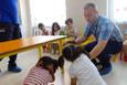 Miniklere depremde korunma eğitimi verildi