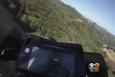 Direksiyonu kitlenen motosiklet uçuruma düştü!