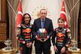 Cumhurbaşkanı Erdoğan; Sofuoğlu ve Öncü kardeşleri kabul etti