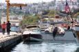 FETÖ'cüleri taşıyan tekne kayalıklara çarptı!