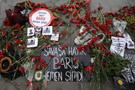 Ölenlerin anısına 97 karanfil bıraktılar