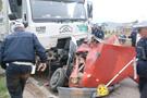 Tokat'ta feci kaza otomobil paramparça oldu