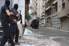Sur'da keskin nişancı polislere roketli saldırı!