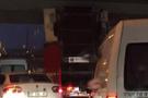 Tek bir TIR İstanbul trafiğini kabusa çevirdi!