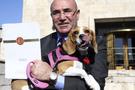CHP'li Mahmut Tanal Meclis'e köpeğiyle geldi