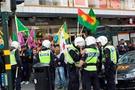 PKK yandaşları konsolosluğa saldırdı