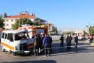 Denizli'de hafriyat kamyonu ile minibüs çarpıştı: 1 ölü, 1 yaralı