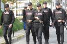 İstanbul'da gerginlik! Polislere saldırı özel harekat olay yerinde