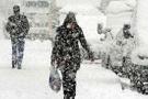 Yoğun kar yağışı okulları tatil ettirdi!