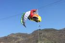 Yamaç paraşütü yüksek gerilim hattına takıldı