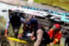 İşçileri taşıyan otobüs nehre düştü 18 kişi ölü onlarca yaralı var