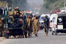 Pakistan'da türbe bekçisi ziyaretçilere saldırdı: 20 ölü