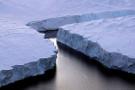 Antarktika buzullarının yüzeyinde hızlı erime izleri bulundu