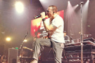 Linkin Park'ın solisti Chester Bennington intihar etti