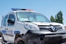 Kırmızı ışık ihlali yapan otomobilden polis aracına ateş açıldı