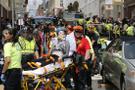 ABD'de araç göstericilerin arasına daldı! Yaralılar var