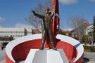 O belediye Ömer Halisdemir'in heykelini kaldırdı
