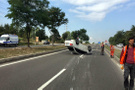 Bolu'da otomobil takla attı 2 kişi yaralandı