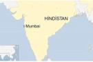 Hindistan'da bina çöktü! Onlarca insan enkaz altında
