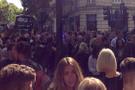 Londra'da son dakika şüpheli paket alarmı binalar boşaltılıyor