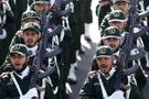 İran'da sahnede Ayetullah Mike var