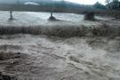 ABD'yi afetler vuruyor çamur selleri 15 kişinin canını aldı