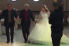 4 eşli muhtar 19 yaşındaki kızla evlendi! Savunmaları pes dedirtti