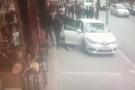 Hareketli anlar! Polisten kaçan araç yayaların arasına daldı