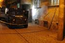 Diyarbakır'da maskeli iki grup çatıştı
