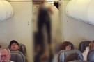 Uçakta şoke eden görüntü genç çift en arkaya geçip yaptıklarıyla...