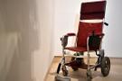 Yıllarca bir dehayı taşıyan tekerlekli sandalye 386 bin dolara satıldı