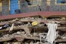Yedi katlı bina çöktü 17 kişi hayatını kaybetti