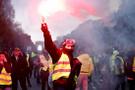 Fransa'da akaryakıt zamları iptal edilebilir