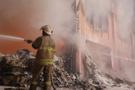 İzmir'de kağıt fabrikası alev alev yandı