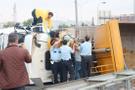 Kurtköy'de hafriyat kamyonu devrildi TEM bağlantısı kapandı