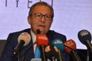Ahmet Edip Uğur fenalaşarak hastaneye kaldırıldı