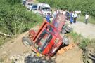 Freni boşalan kamyonet dehşet saçtı: 2 ölü