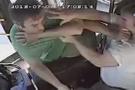 Seyir halindeki otobüste feci kavga
