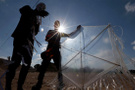 İsrailli bakanlar birbirine düştü