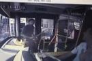 Belediye otobüsünde döner bıçaklı dehşet