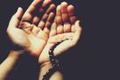 Cuma günü ezanla sela arasında okunacak dua hangisi