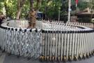 Polis İnsan Hakları Anıtı'nın bariyerlerini 1 yıl sonra kaldırdı