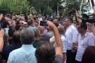 Meclis önünde arbede! Polis müdahale etti