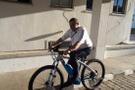Makam aracını bırakıp bindiği bisikletin fiyatı dudak uçuklattı!