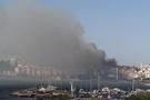 Çanakkale'de yangın: Alevler evlerin çatılarına sıçradı!