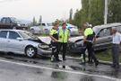 Trafiğe kapalı yoldaki kazada 3 kişi yaralandı!