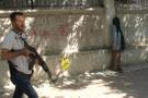 Yüzü kapalı kadın polisi alarma geçirdi