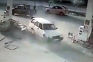 Ankara'da otomobil benzinliğe daldı